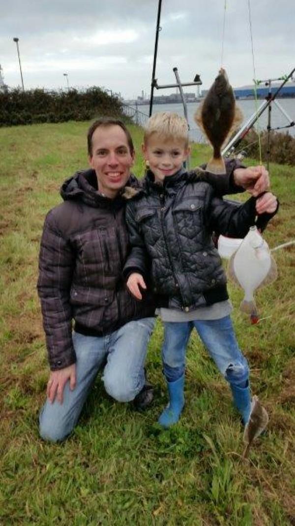 Kees en Matthew Bolier, vissen aan de Waterweg