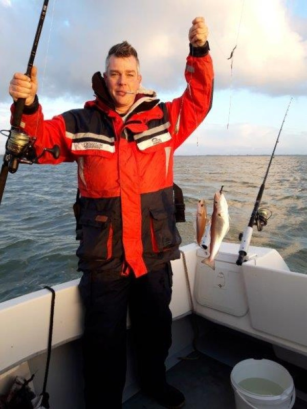 Tom, bootvissen op de Westerschelde