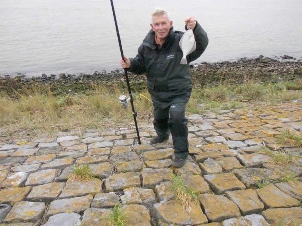 Henry en Jack, vissen aan de Nieuwe Waterweg