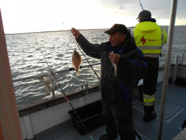Vis ligt gestapeld in de Voor-delta