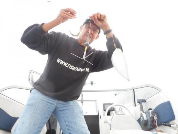 Solo, met suc6 op tongen jacht in de Voor-delta