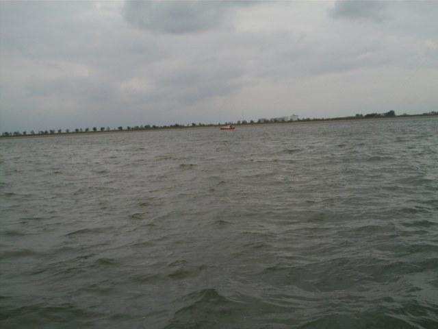 Nico huurt een boot