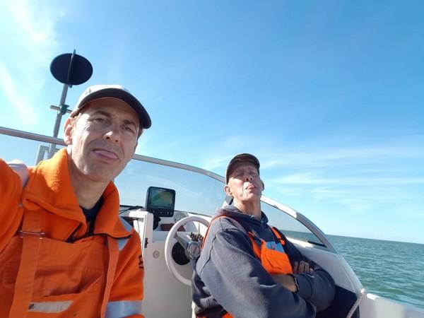 Met Frank, heel veel vis, vlak bij Neeltje jans