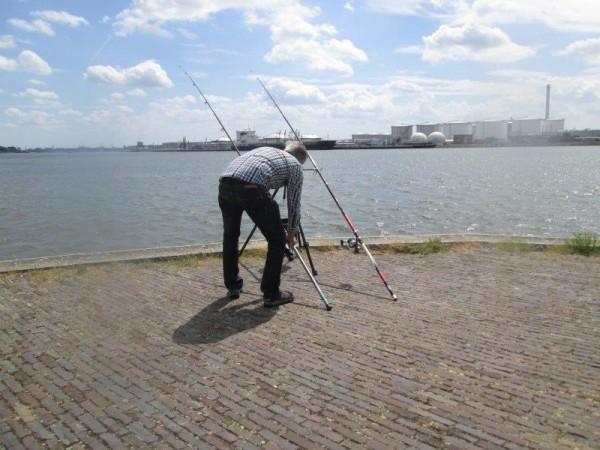 Henk en Jac, vissen in de Europoort