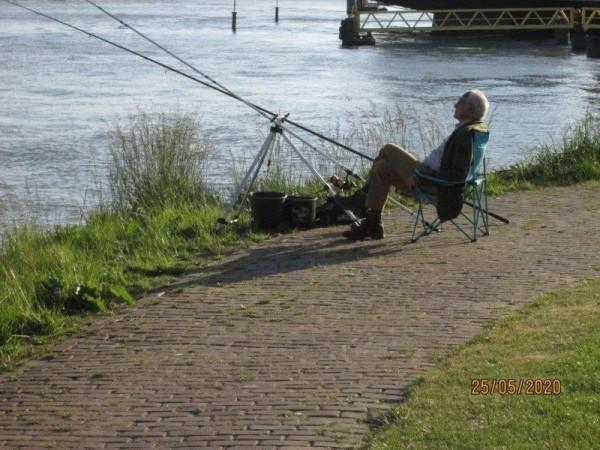 Henk en buurman, vissen Botlek
