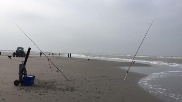 Jacco, met info De Waypoint en strandwedstrijd