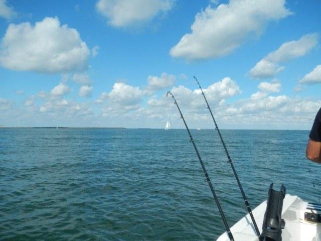 Dekleinebootvisser binnengaats