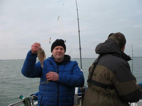 Lucky Luc en Kevin, vissen op de Oosterschelde